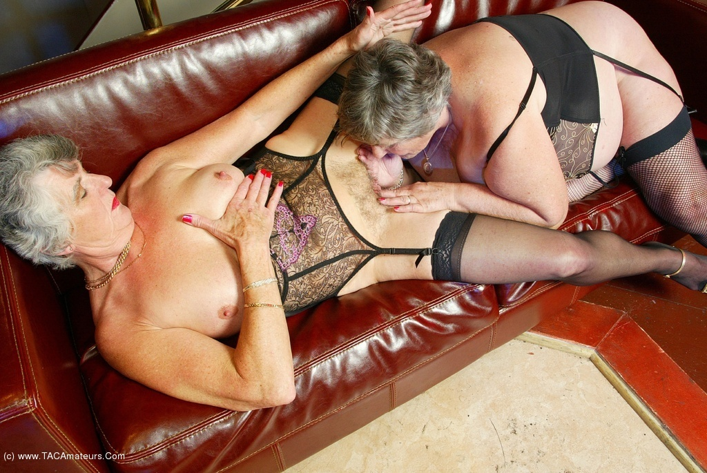 Female mature models uk libby ellis